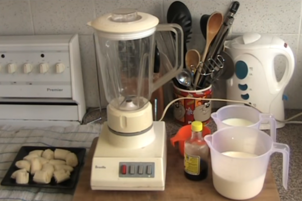How to make ice cream in a blender